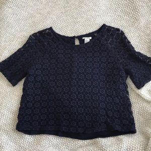 Cute navy blue knit top!